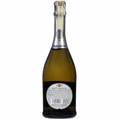 Martini & Rossi® Asti Sparkling White Wine Perspective: top