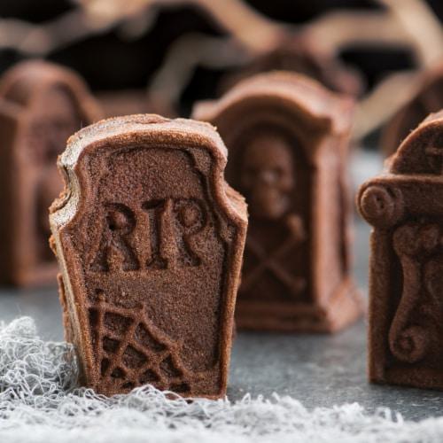 Nordic Ware Tombstone Cakeletes Perspective: top