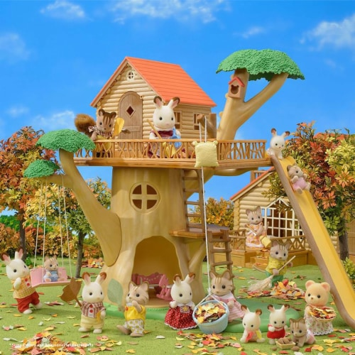 Calico Critters Adventure Treehouse Gift Set Perspective: top
