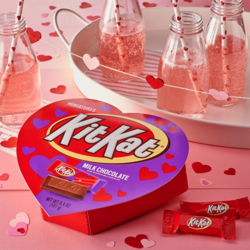 KIT KAT Valentine's Miniatures Heart Box Perspective: top
