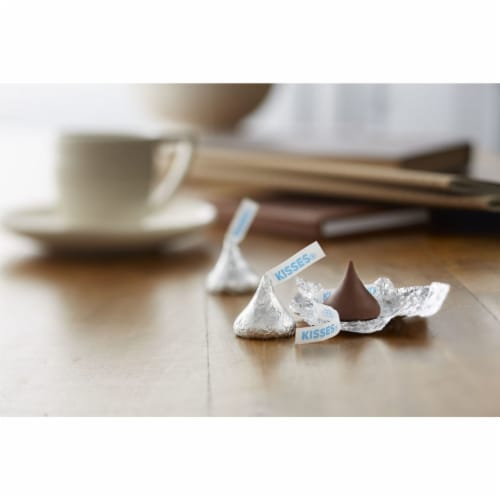 Hershey's Gluten Free Milk Chocolate Kisses Party Pack Perspective: top