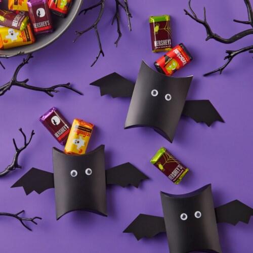 Hershey's Miniatures Halloween Candy Assortment Perspective: top