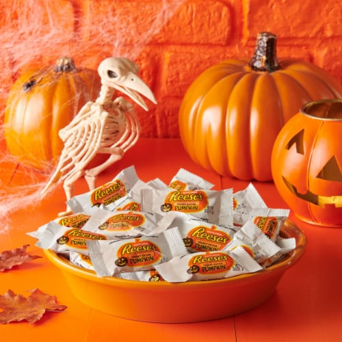 REESE'S Snack Size Orange-Colored Peanut Butter Pumpkins Halloween Candy Perspective: top