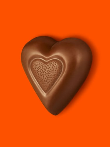 REESE'S Valentine's Milk Chocolate Peanut Butter Hearts Candy Heart Box Perspective: top