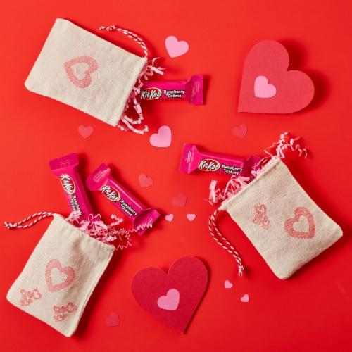 Kit Kat Valentine's Raspberry plus Crème Miniatures Candy Perspective: top