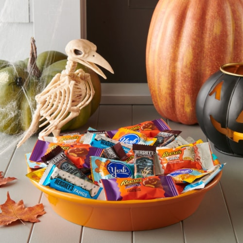Hershey Spooky Shapes Snack Size Candy Assortment Perspective: top