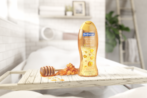 Softsoap Lustrous Glow Amber & Honey Exfoliating Body Wash Perspective: top