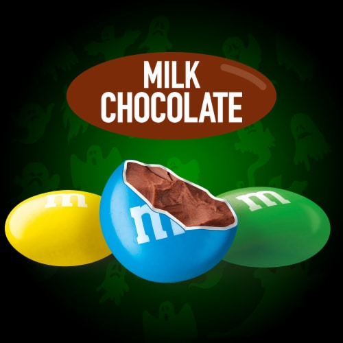 M&M'S Glow In The Dark Milk Chocolate Fun Size Halloween Candy Perspective: top