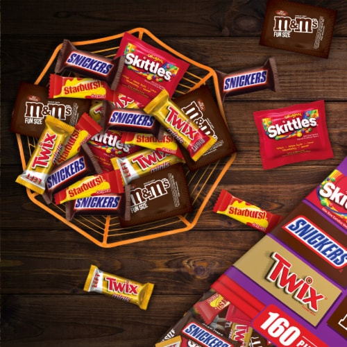 Mars Mixed Twix Skittles Starbust M&Ms Snickers Halloween Candy Variety Bag Perspective: top