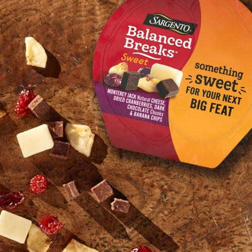 Sargento Balanced Breaks Monterey Jack Cranberries Dark Chocolate & Banana Chips Snack Pack Perspective: top