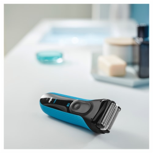 Braun Series 3 ProSkin 3040s Wet & Dry Shaver Perspective: top
