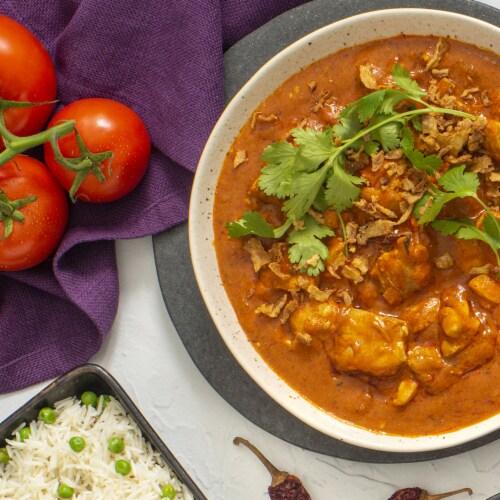 Patak's® Hot & Spicy Tikka Masala Sauce Perspective: top