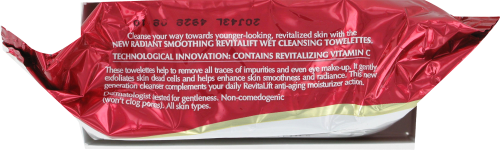 L'Oreal Paris Revitalift Makeup Removing Cleansing Towelettes with Vitamin E Perspective: top