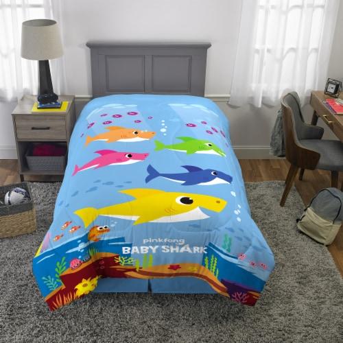 Pinkfong Baby Shark Comforter Perspective: top
