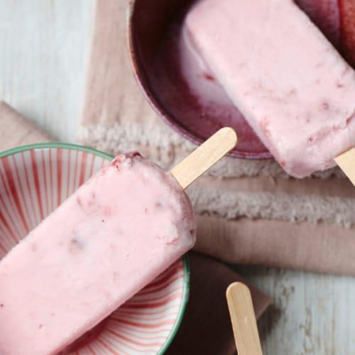 Mountain High Original Whole Milk Vanilla Yoghurt Perspective: top