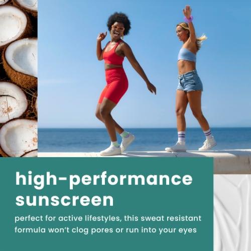 Hawaiian Tropic Island Sport Ultra Light Sunscreen SPF 30 Perspective: top