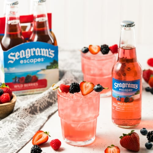 Seagram's Escapes Wild Berries Malt Beverage Perspective: top