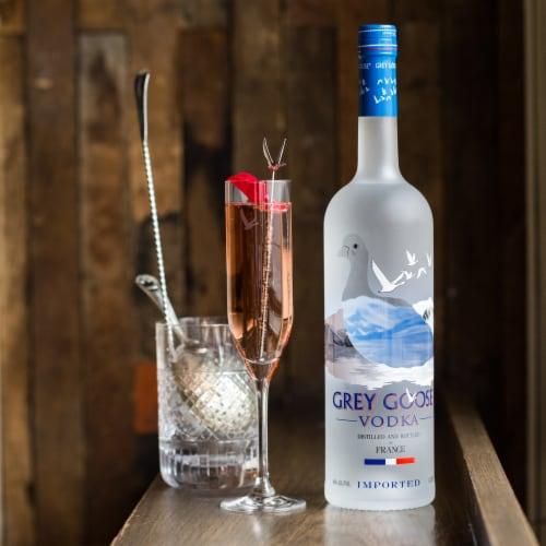 Grey Goose Original Vodka Perspective: top