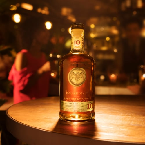Bacardi Gran Reserva Diez 10 Years Aged Extra Rare Gold Rum Perspective: top
