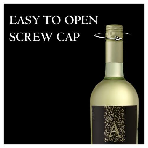 Apothic White Blend White Wine Perspective: top