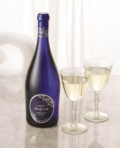 Mia Dolcea Moscato Di Asti Italian Wine 750ml Perspective: top