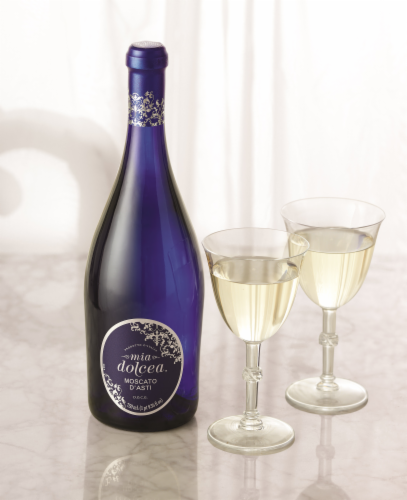 Mia Dolcea Moscato D'Asti Sparkling Wine Perspective: top