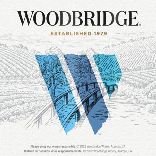 Woodbridge® by Robert Mondavi Riesling White Wine Perspective: top