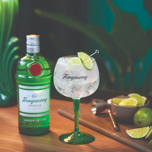 Tanqueray London Dry Gin Perspective: top
