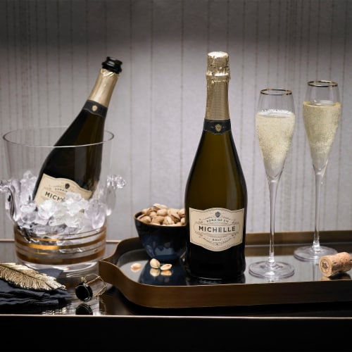 Domaine Ste Michelle Brut Sparkling Wine Perspective: top