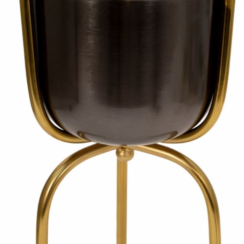 Saltoro Sherpi Round Metal Planter with Tripod Base, Silver and Gold Perspective: top