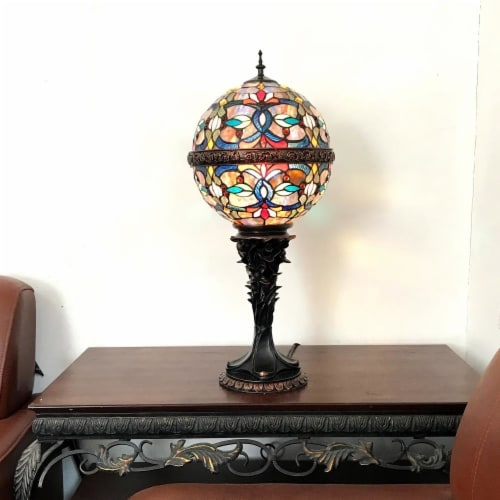 """CHLOE Lighting CHARLIZE Tiffany-style 1 Light Victorian Table Lamp 11"""" Shade Perspective: top"""