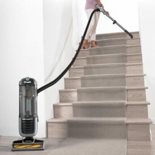 Shark® Navigator ZU62 Pet Pro Self-Cleaning Brushroll Upright Vacuum Perspective: top