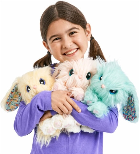 Little Live Pets Scruff-A-Luv Blossom Bunnies Mystery Color Bunny Perspective: top