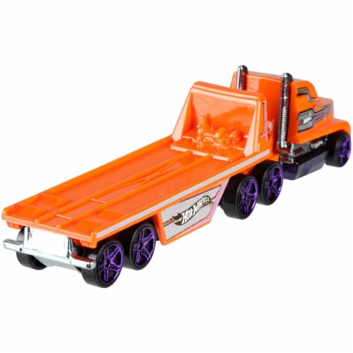 Hot Wheels Track Trucks, Hitch N' Haul Perspective: top