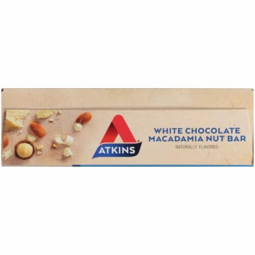 Atkins White Chocolate Macadamia Nut Snack Bars Perspective: top