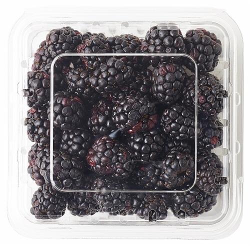 Organic Blackberries Perspective: top