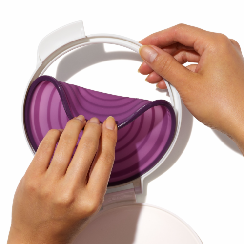 Good Grips Softworks Cut and Keep Silicone Onion Saver Perspective: top