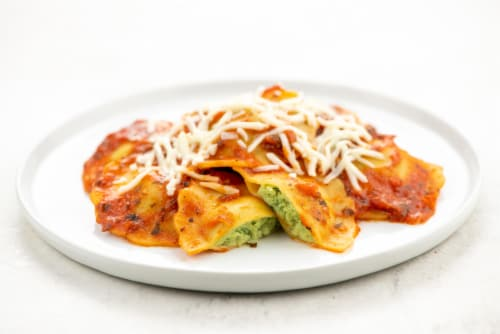 Home Chef Heat and Eat Ricotta and Spinach Raviolis with Marinara Sauce Perspective: top