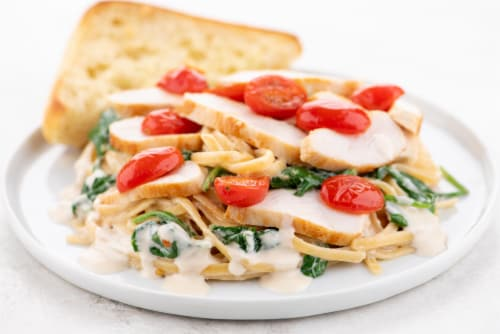 Home Chef Meal Kit Tuscan Chicken Linguine With Garlic Bread Perspective: top