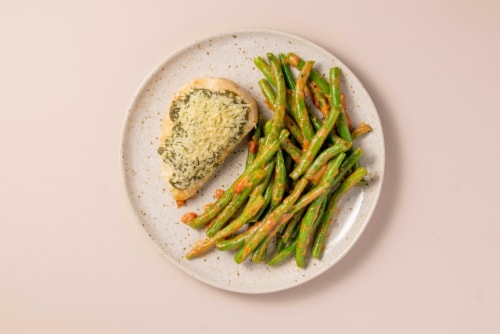 Home Chef Oven Kit Pesto Parmesan Chicken with Rosee Green Beans Perspective: top