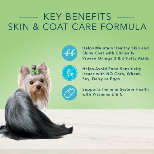 Blue Buffalo True Solutions Perfect Coat Skin & Coat Care Formula Dog Food Perspective: top