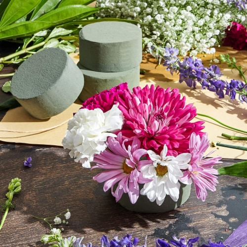 Floral Foam Cylinder for Fresh Flower Arrangements (3.75 x 1.8 in, 6-Pack) Perspective: top