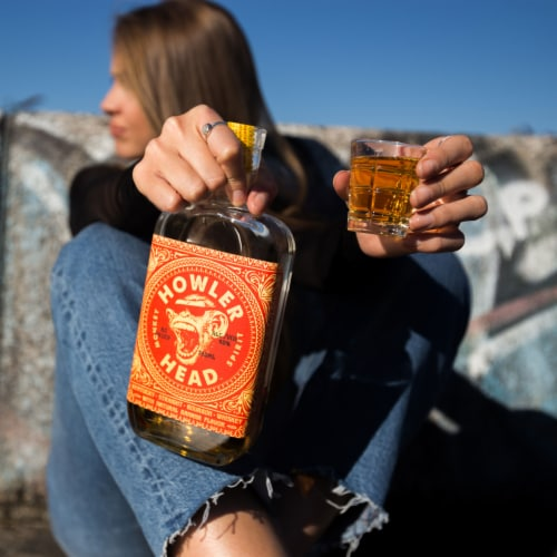 Howler Head Kentucky Straight Bourbon Whiskey with Natural Banana Flavor Perspective: top