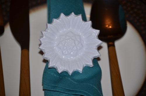 Vibhsa Sun Flower Napkin Rings 4 Pack - White Perspective: top