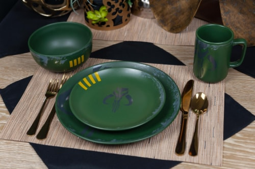 Star Wars Boba Fett Mandalorian Stoneware Plates & Bowl Collection | 4-Piece Set Perspective: top