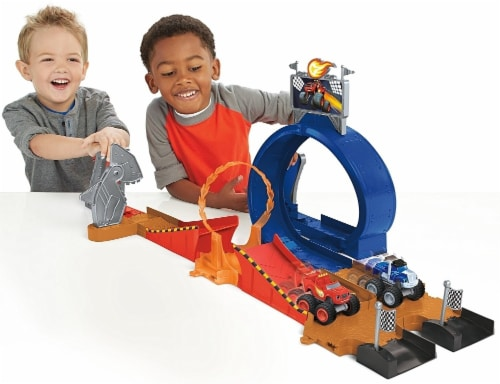 Fisher-Price Nickelodeon Blaze & the Monster Machines, Monster Dome Playset Perspective: top