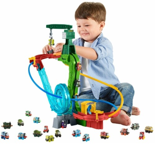 Fisher-Price Thomas & Friends MINIS Motorized Raceway Playset Perspective: top