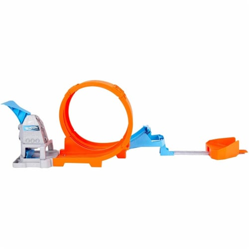 Hot Wheels Loop Stunt Champion Track Set with Dual-Track Loop, Dual Launch Perspective: top