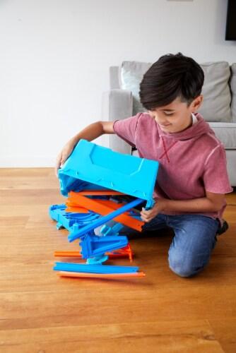 Mattel Hot Wheels® Track Builder Multi Loop Box Perspective: top