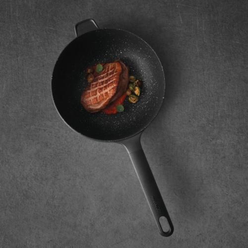 BergHOFF GEM Cast Aluminum Nonstick Stir Fry Pan - Black Perspective: top